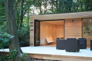 in it studios prefab garden house is a modern small space