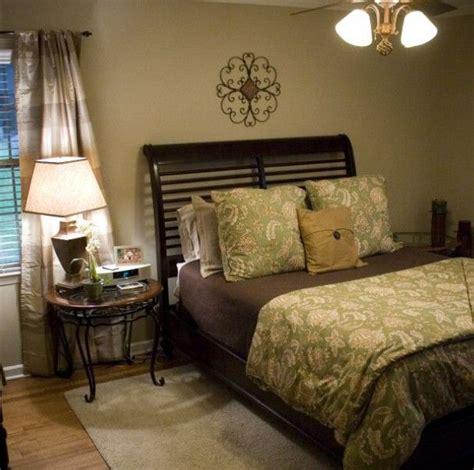 chocolate brown master bedroom best 25 chocolate brown bedrooms ideas on pinterest