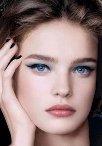find actress that had a natural gray streak in front colors for fair cool skin and blue eyes haircolor wiki
