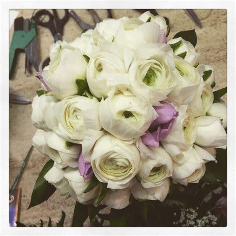 fiori di fiori di stagione per il tuo matrimonio