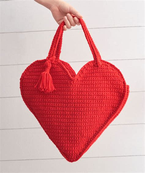 crochet bag pattern red heart heart tote bag red heart