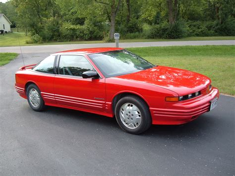 cutlass supreme 1993 oldsmobile cutlass supreme overview cargurus