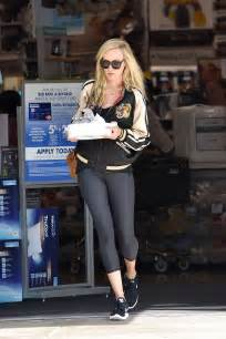 bed bath and beyond hollywood kimberly stewart shopping at bed bath and beyond in la