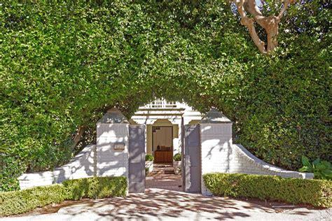 mansions in malibu inside chris hemsworth s 6 5 million style