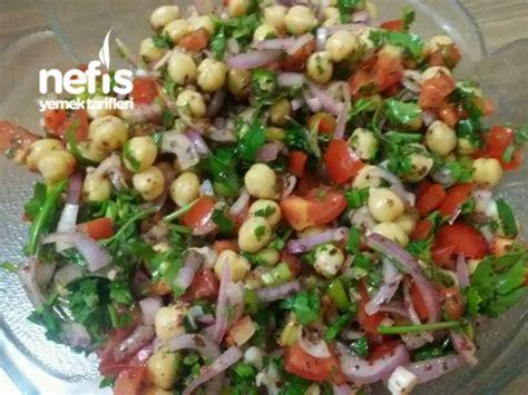 ekmekler g 246 rsel yemek nohutlu tr salata tarifi yemek tarifleri sitesi nohutlu