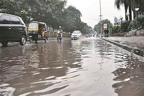 rain pounds gangetic west bengal more downpour to follow