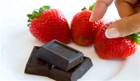 alimenti afrodisiaci naturali 10 cibi afrodisiaci perfetti per e per lui leitv
