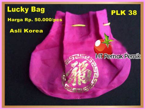 Kaos Nuest Korea Kpop perlengkapan hanbok jual baju korea dan hanbok