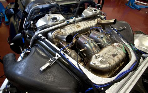 porsche 918 spyder engine porsche 918 spyder prototype engine photo 8