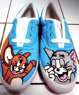 Cat Akrilik Sepatu kreasi sepatu lukis serufo