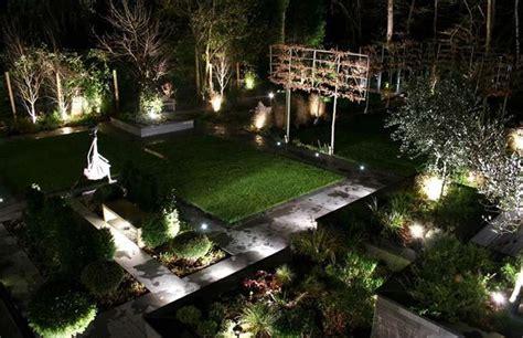 illuminare un giardino illuminare un giardino foto 32 40 design mag
