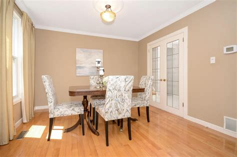 Mississauga Restaurants With Dining Rooms by For Sale 3387 Ash Row Cres Erin Mills Mississauga