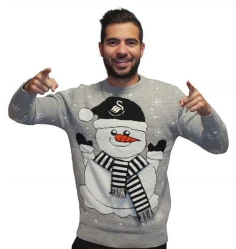 arsenal jumper best christmas jumpers in football arsenal go 3d