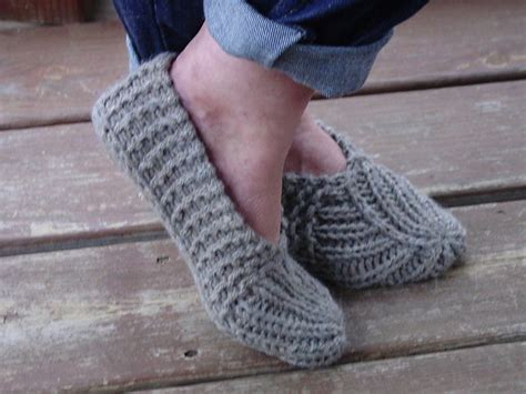 easy knitted slippers free pattern knitted slippers pattern the sweetest ideas the whoot