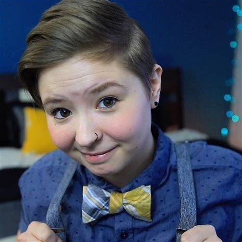 Ash Digger Makes Chrissy Smile by 16 Bi Vloggers You Should Be Afterellen