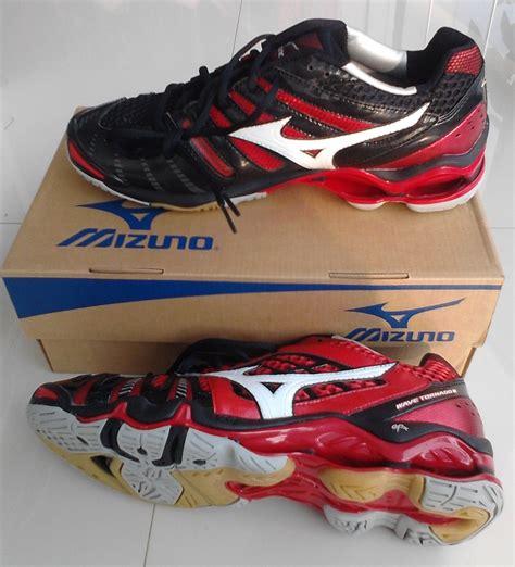Sepatu Mizuno sepatu mizuno kami distributor sepatu mizuno dan jual