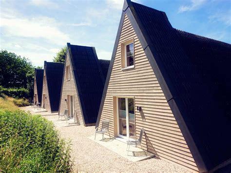 Spitzdachhaus Kaufen by Nur Dach H 228 User Ferienwohnungen Und Appartements In Bosau