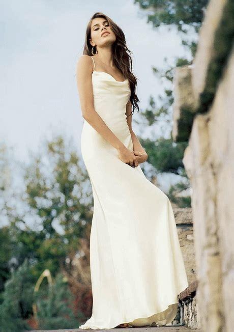 simple backyard wedding dress simple beach wedding dress ideas