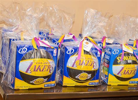 basketball bar mitzvah basketball theme party ideas - Basketball Giveaways Ideas