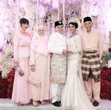 baju pesta perkawinan 30 contoh pakaian seragam keluarga pesta perkawinan