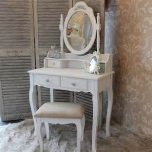 Shabby Chic Makeup Vanity Table by Les 25 Meilleures Id 233 Es Concernant Coiffeuse Blanche Sur