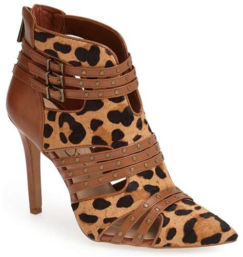 jessica simpson shows   legs  leopard print