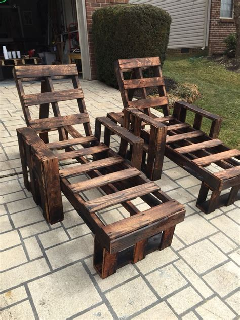 25 best ideas about pallet chaise lounges on outdoor chaise lounge chairs outdoor best 25 pallet chaise lounges ideas on palette deck pallet yard chairs and pallet