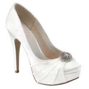 wedding shoes pink pink paradox caramel wedding shoes bridal accessories