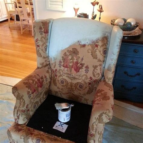 Diy Wingback Chair Upholstery by Stenciling An Upholstered Chair 171 Stencil Stories
