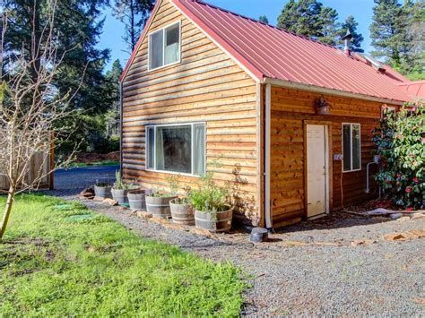 Pet Friendly Cabins Oregon Coast by Friendly Cabin To The Vrbo