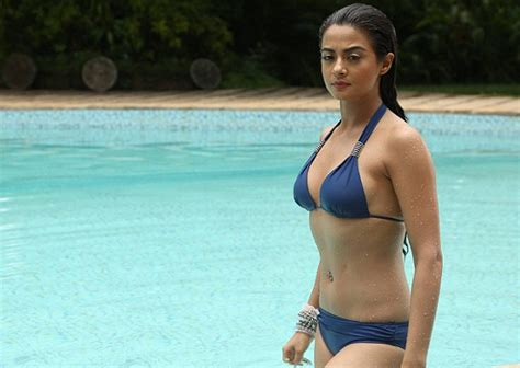 bikini actress of bollywood top 10 hottest actresses in bollywood in 2015 welcomenri