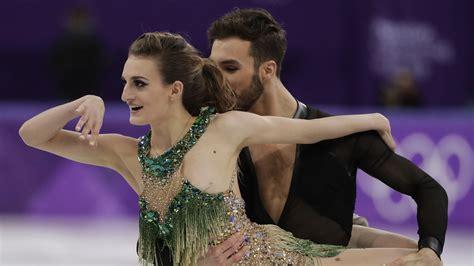 girl fight wardrobe malfunction french ice dancer suffers olympics wardrobe malfunction on