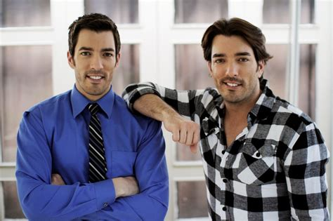 drew and jonathan scott are the property brothers single who is drew scott s