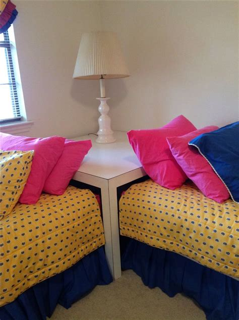 Corner Table For Twin Beds Corner Twin Beds Pinterest Bed Corner Table