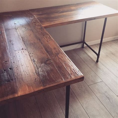 Reclaimed Wood Desk Diy 25 Best Ideas About Reclaimed Wood Desk On Pinterest Rustic Desk Office Desks And L Desk
