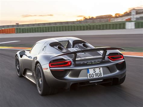 porsche 918 wallpaper porsche 918 iphone wallpaper 2048x1536 21851
