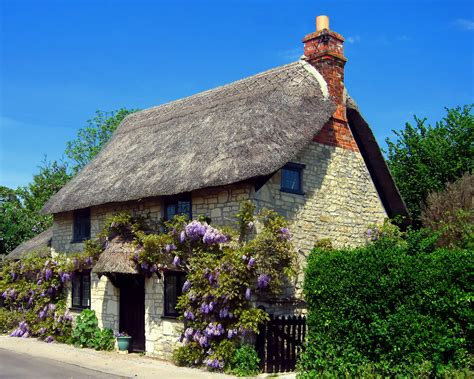 cottages in wiltshire 18 gorgeous thatched cottages britain and britishness