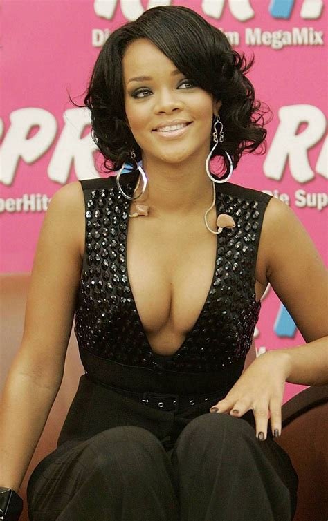 top 5 celebrities with best cleavage best celebrity cleavage celebrity gossips archive
