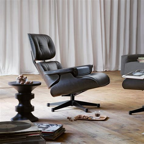 vitra lounge chair xl eames lounge chair xl new size vitra ambientedirect