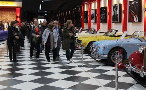 torbali klasik araba muezesinde tarihe yolculuk