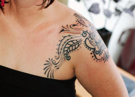 womens shoulder tattoos designs stylish shoulder designs for
