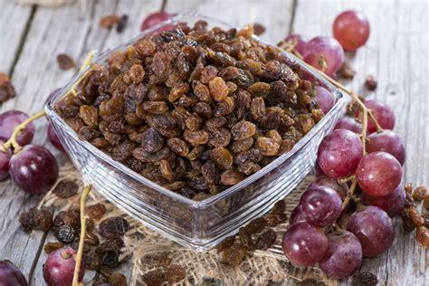 ate raisins raisin water for liver detox and colon cleanse