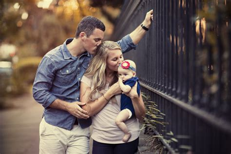 Family Photography Poses by Top 10 Tips For Family Photo Poses