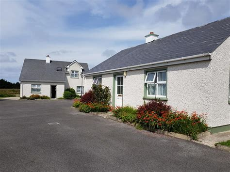 donegal cottage holidays fairgreen cottages dungloe self catering