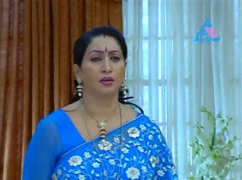 amma serial amma serial actress hot in saree photo www kochukeralam