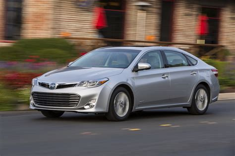 Toyota Avalon Hybrid 2013 Toyota Avalon Hybrid 0 60 Mph Drive Review