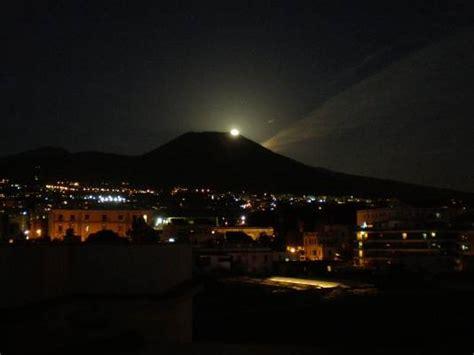 vesuvio testo foto vesuvio di notte dall album foto profilo di