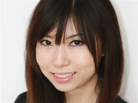 Blus Yuriko yuriko kotani profile one to