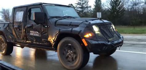 2019 jeep wrangler pickup truck 2019 jeep wrangler pickup scrambler spotted in traffic