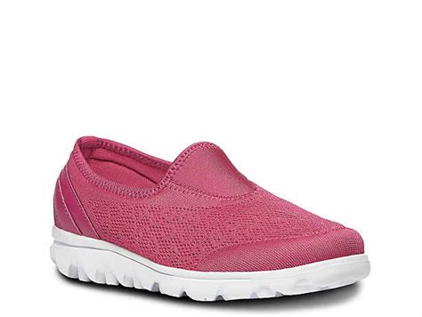 womens pink athletic sneakers dsw